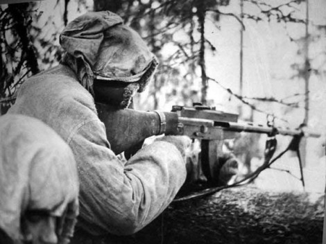 Finnish-defender-with-Lahti-Saloranta_M-26-595x446